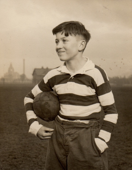 Douglas S. Bruce at the playing fields of Goldenacre, Edinburgh in 1959